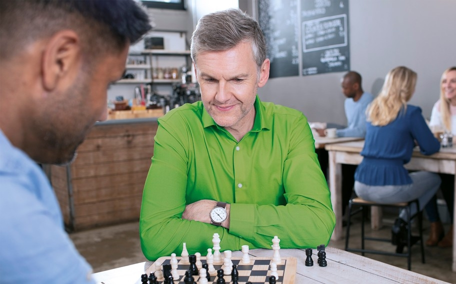 Phonak_brand_philosophy_Well_Hearing_is_Well_Being_cognitive_dimension_.chess.jpg